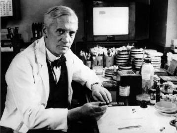 Alexander Fleming, der Entdecker des ersten Antibiotikums Penicillin