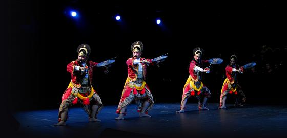 Aufführung eines Tari-Tanzes