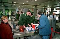 Seit dem 11. September sind die Kontrollen an den Flughafen umfassend verbessert worden.