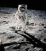 Neil Armstrong fotografiert Edwin Aldrin 1969 auf dem Mond