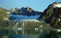 Foto: Herbert Funk/Lesestein.de. Magdalenenfjord auf Spitsbergen