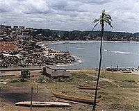 Außerhalb von Elmina gibt es schöne Sandstrände (© W. Gerl).jpeg