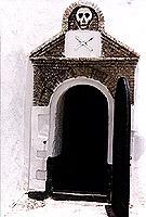 Lasst alle Hoffnung fahren: Eingang zum Sklavenkerker in Elmina (© W..jpeg