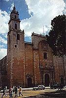 Kathedrale von Mérida (© L. Scheitzach).jpeg