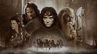 """Dank des Erfolgs von """"Der Herr der Ringe"""" (Filmplakat) pilgern jede Woche Fans der Hobbits nach """"Hobbingen"""" nahe Auckland."""