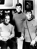 Captain Kirk mit McCoy und Spock