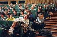 Zu wenig Praxis: Das Lehramts-Studium ist nach Meinung einiger Bildungsexperten zu wissenschaftlich ausgerichtet.