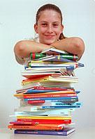 Der Deutsche Lehrerverband fordert die Aufnahme von Klassikern der internationalen Literatur in den Literaturkanon deutscher Schulen.