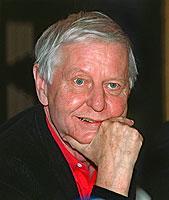 Der Sprachexperte und Autor Hans Magnus Enzensberger machte vor allem durch seine politischen und literaturtheoretischen Stellungnahmen von sich reden.