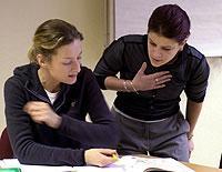 Zum Berlitz-Sprachtraining gehört auch eine an Gesten reiche Kommunikation.