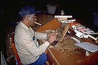 Handgerollt: Kubanische Zigarren sind weltberühmt.