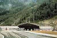 Der Mont Blanc-Tunnel nach seiner Fertigstellung im Jahr 1965.
