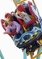Neue Attraktionen, ein qualitativ gutes Angebot und natürlich schönes Wetter locken alljährlich tausende Besucher in Freizeitparks.
