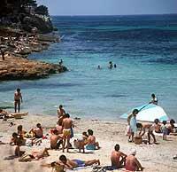 Die Deutschen verbringen ihre vielen Urlaubstage gern im sonnigen Süden Europas, wie hier auf Mallorca.