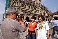 """""""Beweisfoto"""": Japanische Touristen bringen wenig Zeit mit."""