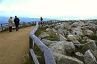 """Auf den """"richtigen"""" Weg kommt es an: Touristen auf dem Brocken. (Dr. Alexander Stahr)"""