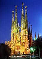 Die Kathedrale Sagrada Familia gehört zu Gaudís bekanntesten Bauwerken.