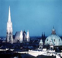 """Mit der """"Primadonna"""" besichtigen kulturell interessierte Passagiere u.a. Österreichs Hauptstadt Wien."""