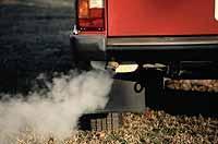 Seit Einführung des Katalysators in Europa pusten immer weniger Autos umweltschädliche Abgase in die Luft.