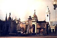 Morbid-romantisch: Friedhof von Recoleta. (© Olga Voinovitch).jpeg