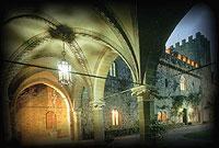 © Mittelalterliche Atmosphäre: Castello dell'Oscano (© www.oscano.com).jpeg