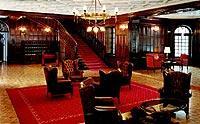 Gemütlich: Sitzgelegenheiten im Schlosshotel Szidónia (© www.szidonia.hu).jpeg