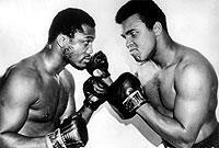 Beim Fight Joe Frazier (l.) versus Muhammad Ali im Jahr 1971 standen sich die beiden ungeschlagenen Weltmeister nicht zum letzten Mal gegenüber.