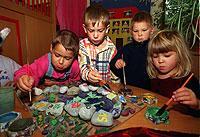 """International geläufiger Begriff: Auch britische und US-amerikanische Kinder gehen in den """"kindergarten""""."""