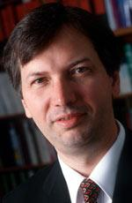 Chefarzt und Autor Prof. Dr. Hartmut Göbel