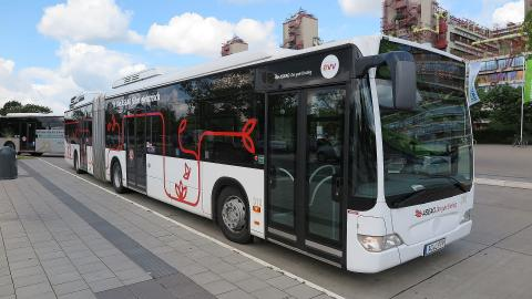 Elektromobil eingesetztee Gelenkbus in Aachen