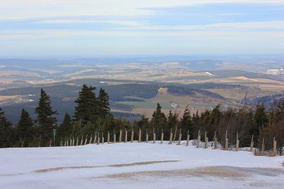 Blick vom Fichtelberg, dem höchsten Berg im sächsischen Teil des Erzgebirges.