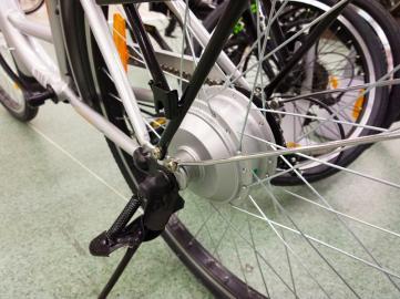 Elektrischer Nabenmotor im Hinterrad eines Fahrrades