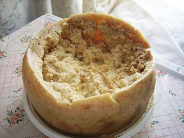 Casu Marzu, der sogenannte 'hüpfende Käse'