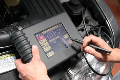 Elektronische Motorüberprüfung
