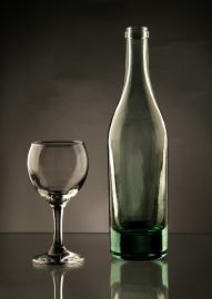 Flsche und Weinglas