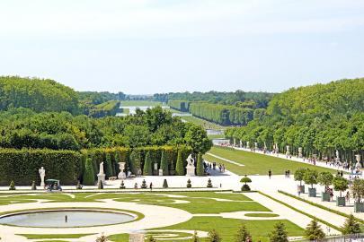 Gartenlagen von Versailles mit Blick auf den Großen Kanal