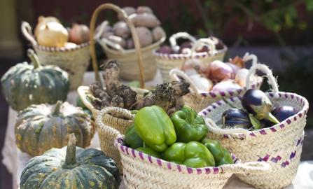 Marokkanisches Gemüse in Körben