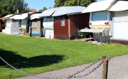 Wohnmobile auf Campingplatz