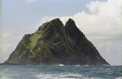 Ansicht der Insel Skellig Michael vor der irischen Südwestküste