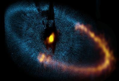 Der 25 Lichtjahre entfernte Stern Formalhaut und seine Staubscheibe.
