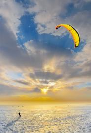 Kite-Snowboarder