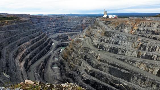 Grube einer Kupfermine in Nordschweden