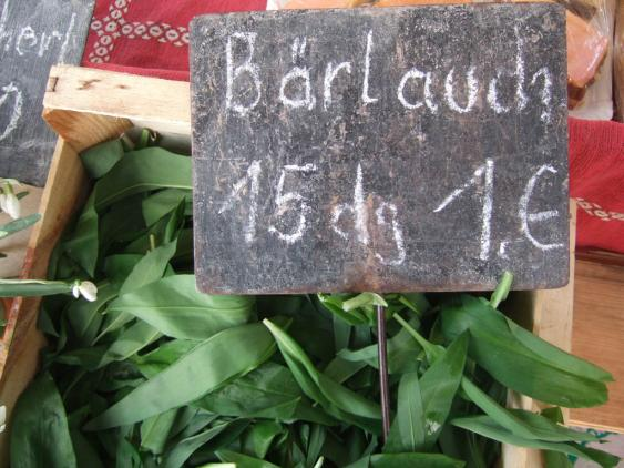 Bärlauch-Angebot auf dem Markt