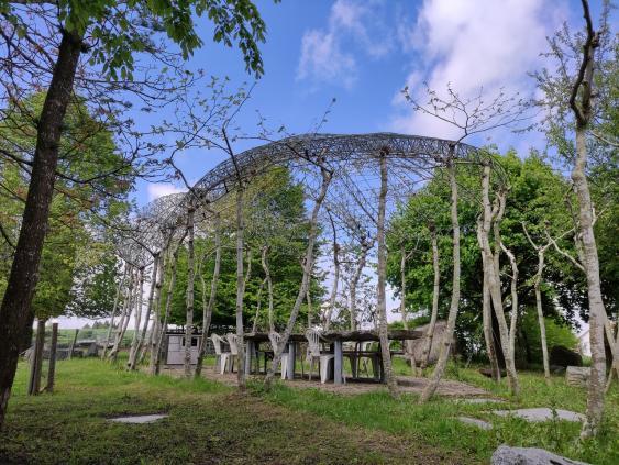 Küchen-Pavillon in Baumarchitektur