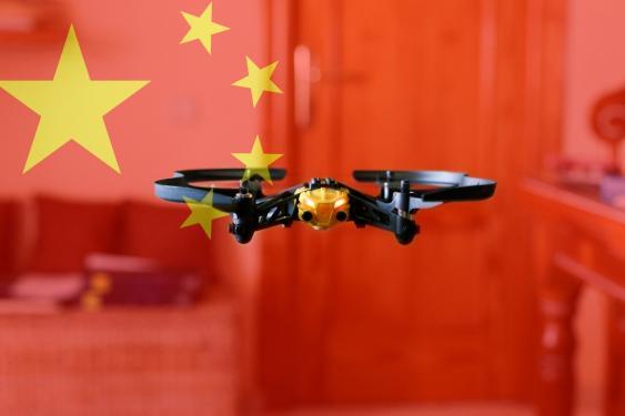 Drohne vor chinesischer Flagge