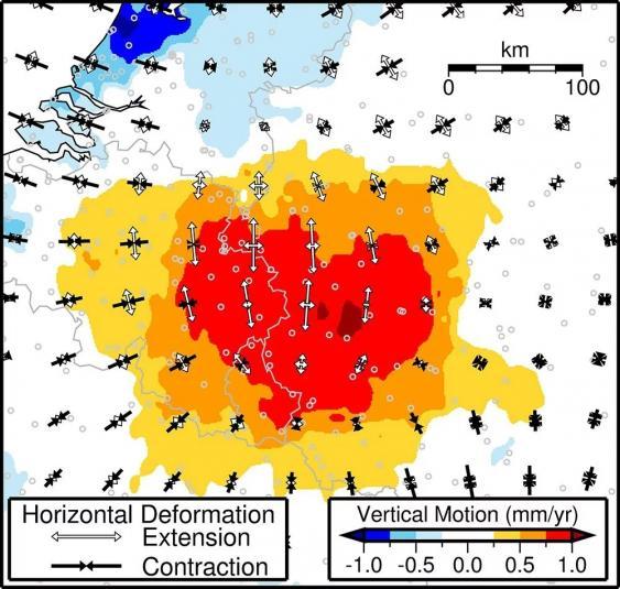 Über GPS-Daten ermittelte Hebung und Dehnung des Untergrunds im Bereich der Eifel und der angrenzenden Länder.