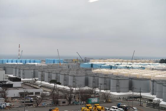 Tanklandschaft auf dem Gelände des Fukushima Daiichi Nuclear Power Plant