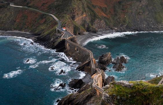 Blick auf die baskische Biscaya-Iinsel Gaztelugatxe