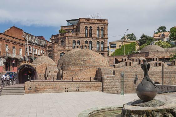 Kuppeln im Bäderviertel von Tiflis