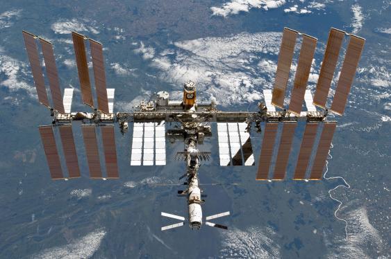ISS mit ATV-2 am 7. März 2011